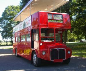 oldtimer bus mieten rentinorio. Black Bedroom Furniture Sets. Home Design Ideas