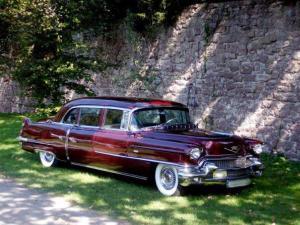 cadillac serie 75 fleetwood 1956 mieten in ludwigsburg fahrzeuge mit chauffeur bei rentinorio. Black Bedroom Furniture Sets. Home Design Ideas