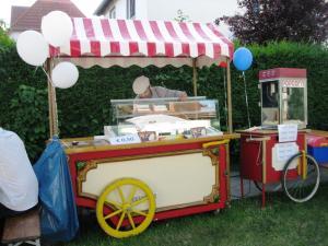 kuchenschranke in berlin kaufen : Nostalgischer Eiswagen, Eisstand, Eisvitrine, Eistheke, Eisfahrrad