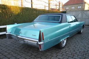 "6-Hollywood - Feeling inclusive.................... Cadillac Sedan deVille "" Adriatic Turquois..."