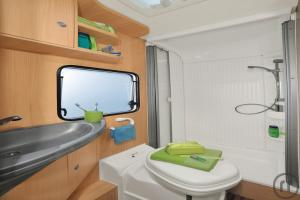 wohnmobil mieten in duisburg rentinorio. Black Bedroom Furniture Sets. Home Design Ideas