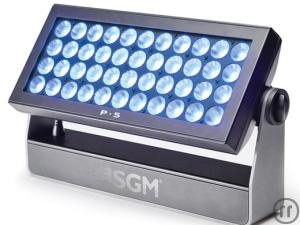 SGM P5 Full Color Washlight RGBW